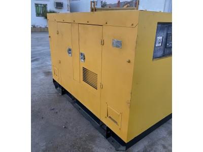 للبيع مولد كهرباء كاتم 30KVA/25KW مضمون